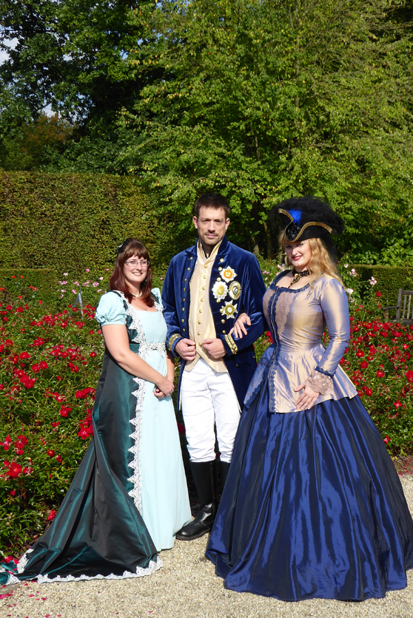At Elfia, Karin in her regency gown, Maarten in his Lord Nelson costume and Sannie in a Piraty 18th century fantasy gown