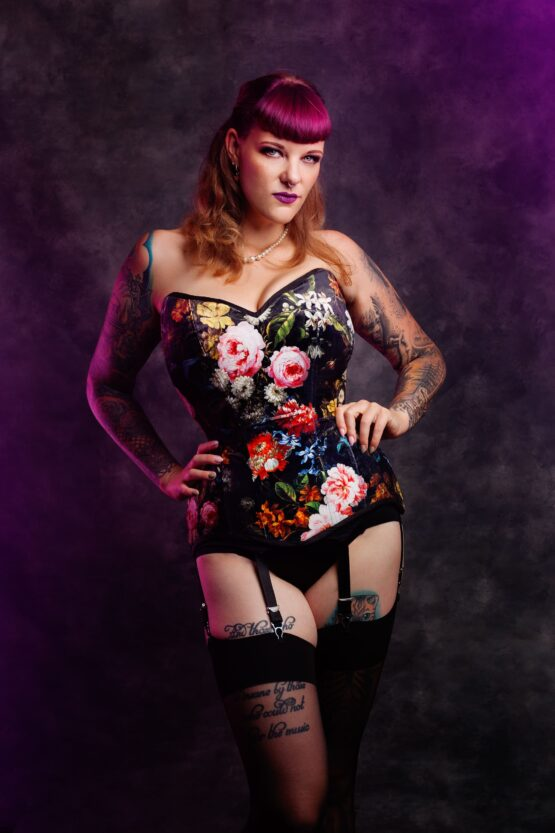 Dutch Masters velvet corset